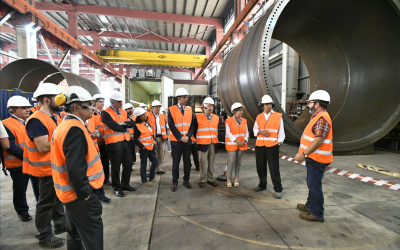 Regional minister for economic development visits site of manufacture of first Basque wave-power generating device